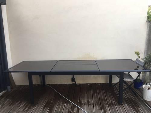 Table extérieure