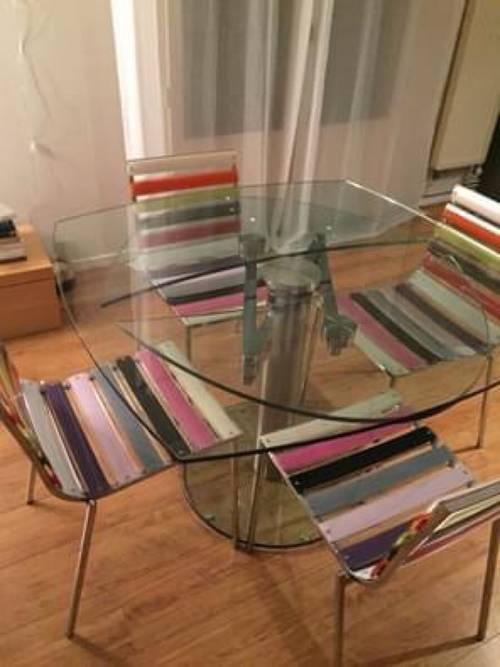 Ensemble de 4chaises plexiglass