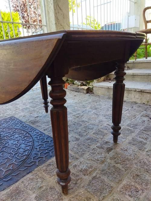 Vends table ronde avec abattants, bois massif