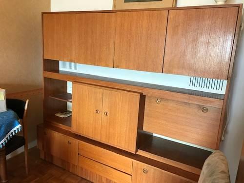 Buffet vintage années 70plaque hêtre dimensions 200X 180X 50cm