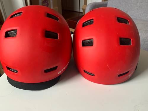 Lot de deux casques velos Btwin rouges