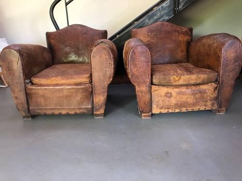 Paire de fauteuils club à rénover