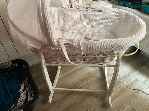 Couffin nouveau-né blanc en bois