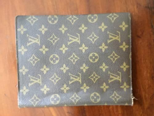 Vends couverture agenda bureau Vuitton monogrammé
