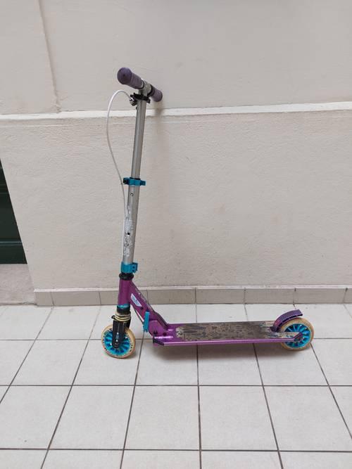 Trottinette enfant decathlon mid5avec frein guidon et suspension