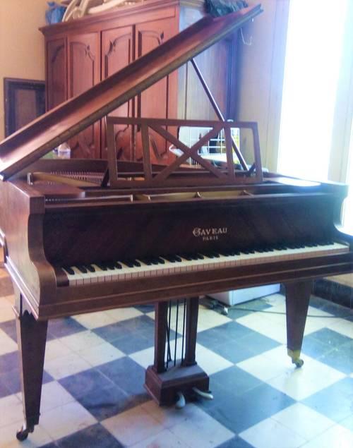 Piano 1/4de queue Gaveau