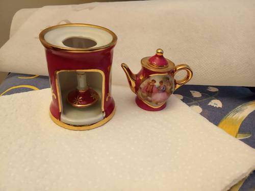 Tisanière miniature porcelaine de Limoges