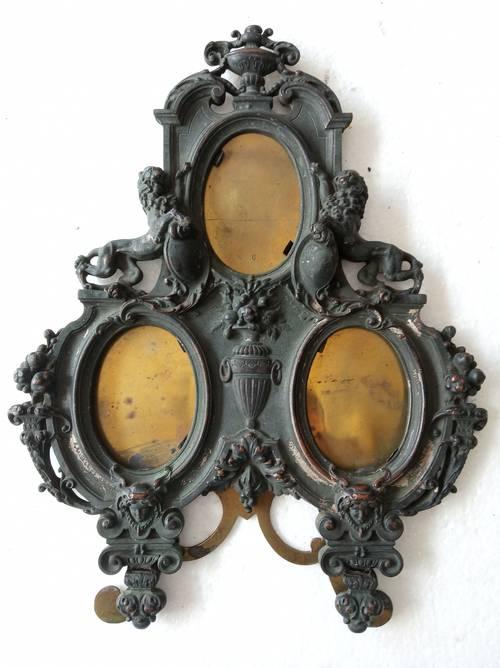 Cadre triple porte photo en bronze sculpté style