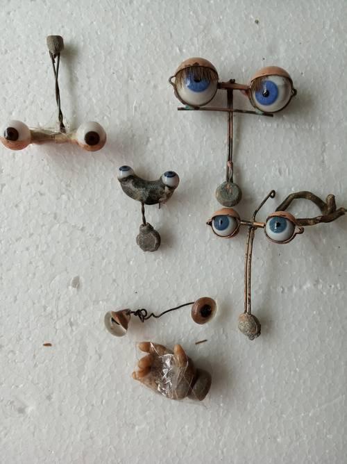 Lot de paires d'yeux pour poupées en porcelaine et autres