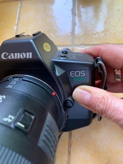 Canon EOS 600Argentique (avec pellicule) + zoom 35/105+flash 420ez