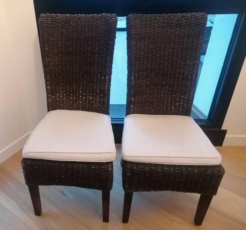 Vends quatre chaises dossier haut