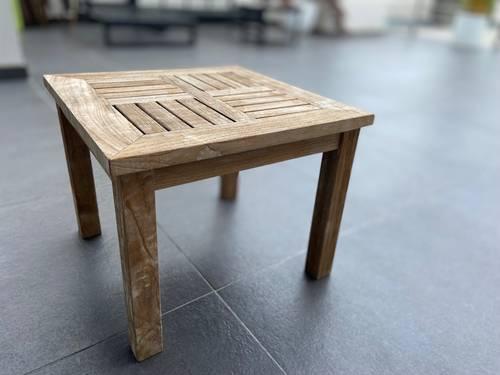 Vends belle petite table basse de jardin en teck