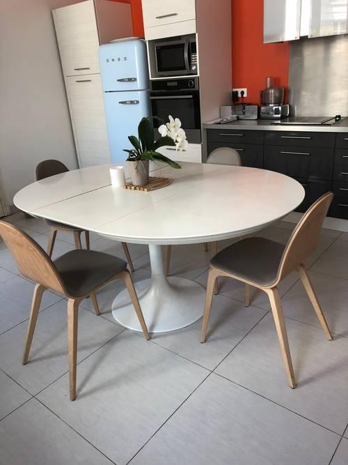 Table et chaises cuisine ou salle à manger design italien