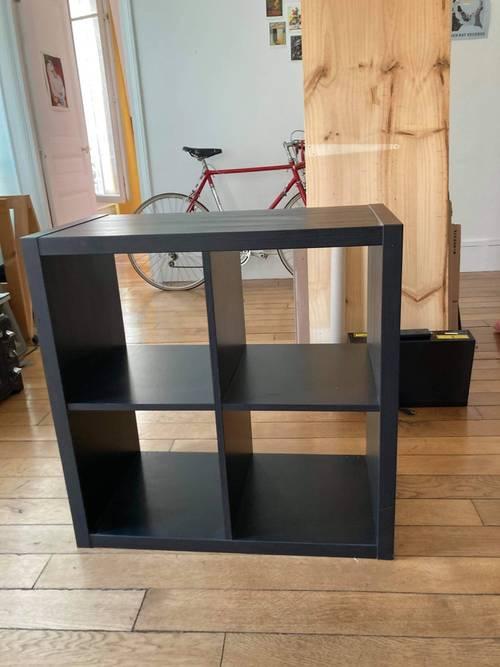 Meuble étagères Ikea noir effet bois
