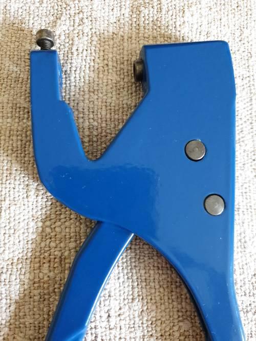 Vends pince presse manuelle pour rivets, top magnétique