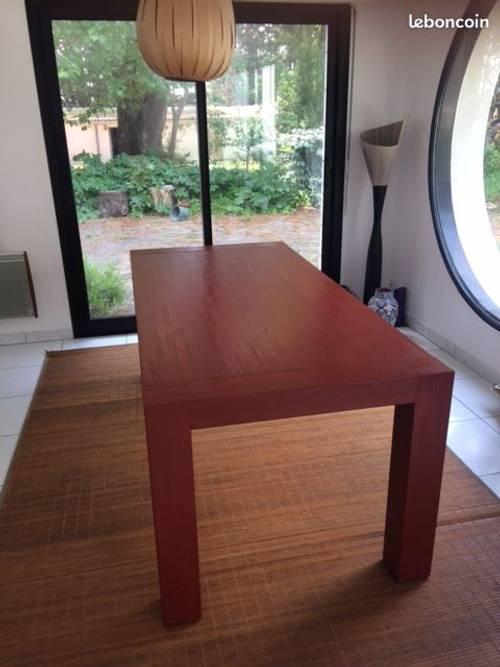 Vends table en bois massif