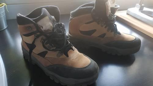 Vends chaussures de randonnée femme 39en excellent état