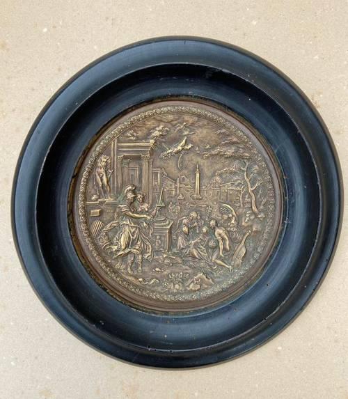 Médaillon bronze doré 9muses décor antique Atelier Viollet le Duc XIX