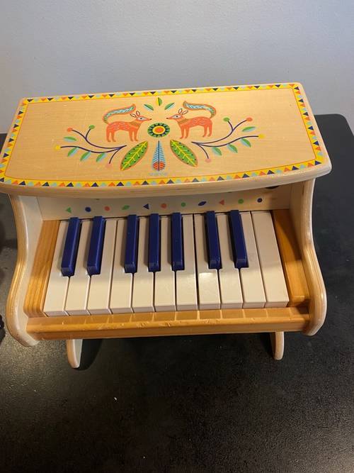 Piano électronique en bois