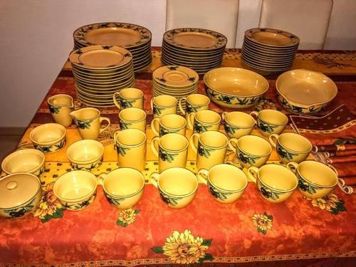 Lot service de table provençal à vendre