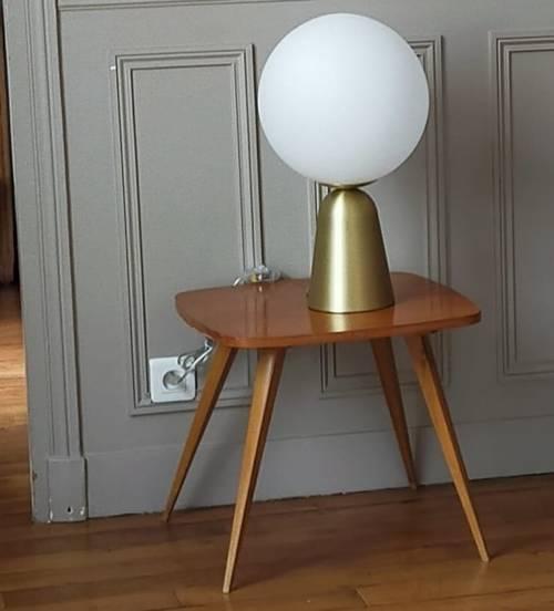 Table basse bois vernis des années 50aux pieds compas