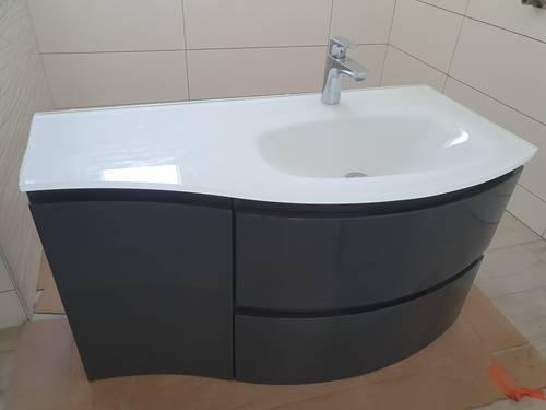 Vends vasque en verre meuble et mitigeur