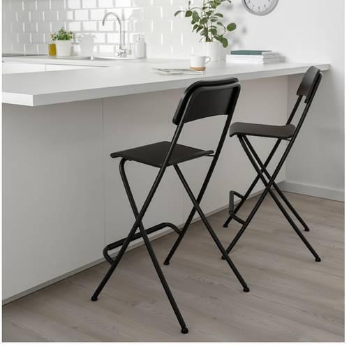 Vends plateau cuisine noir / pieds chromés / 5chaises bar pliantes
