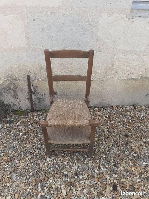 Chaise d'église ancienne doublé d'un prie dieu