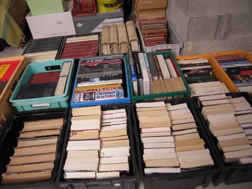 +Vends plus de 20caisses de livres