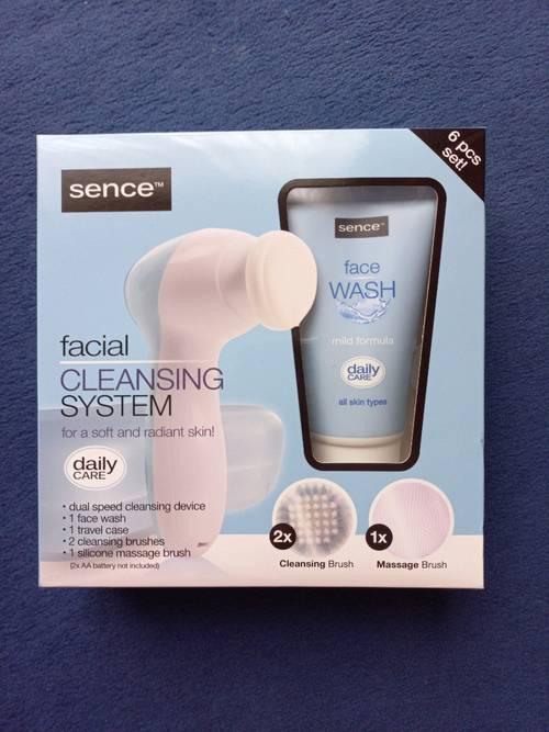 Brosse nettoyante visage Sence