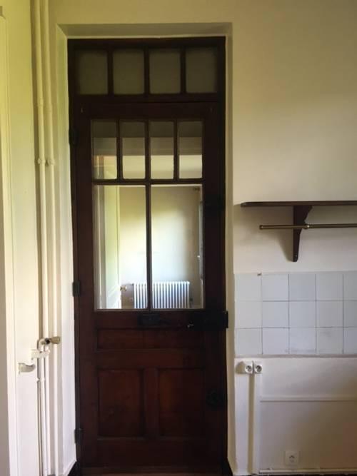 Vieille porte vitrée