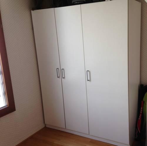 Vends armoire penderie Ikéa laquée blanche très bon état