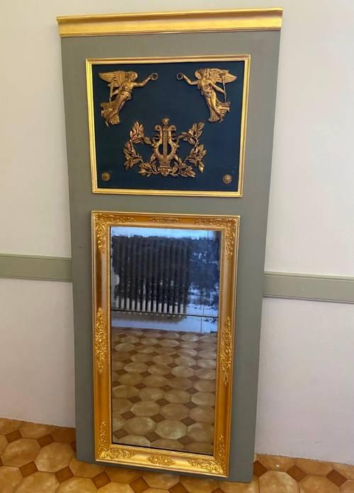 Trumeau début XIXème à décor antique restauré & redoré à la feuille d'or