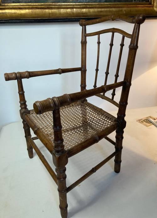 Ancien fauteuil d'enfant canné façon bambou vers 1900