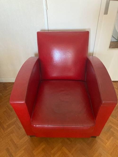 Fauteuil club en cuir rouge