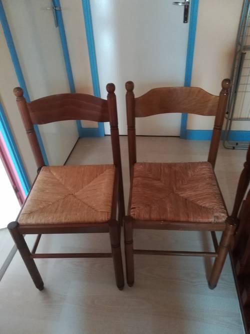 Vends deux chaises bois et paille
