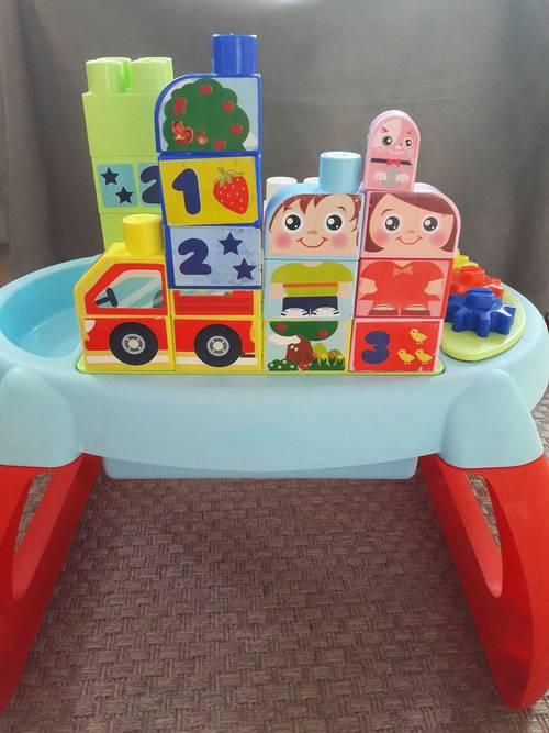 Table d'éveil Ecoffier