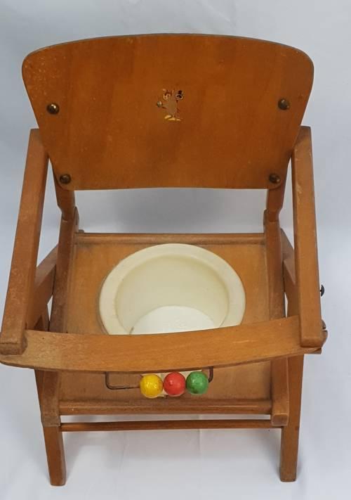 Petite chaise - Pot pour bébé des années 60en bois