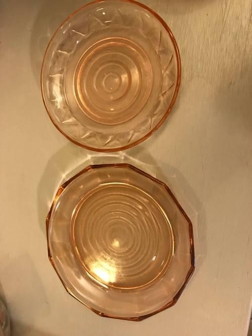 2Cloches à fromage 19ème siècle, en très bon état, couleur rose