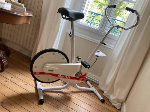 Vends joli vélo d'appartement vintage