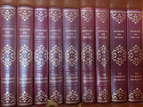 Vends 28livres reliés auteurs classiques