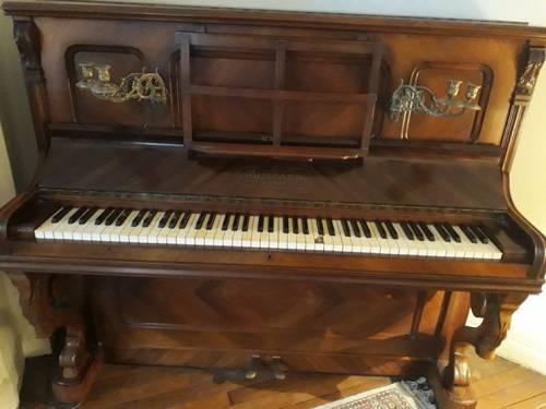 Donne piano MUSSARD Paris