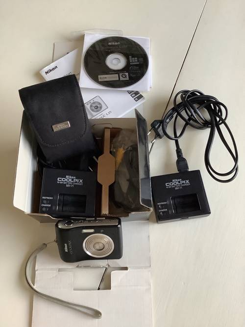 Vends un appareil photo numérique CoolpixL15Nikon