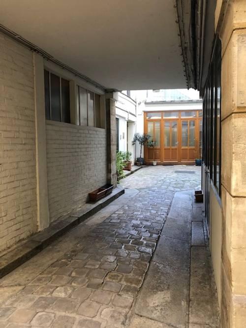 Loue studette refait à neuf sur cour Rue Dauphine Paris 6ème - 14m²