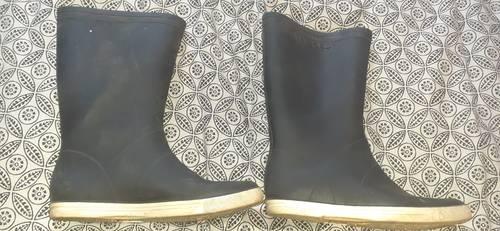 Vends bottes caoutchouc Tribord pointure 42-43