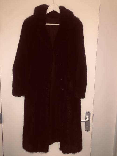 Manteau de vison marron foncé