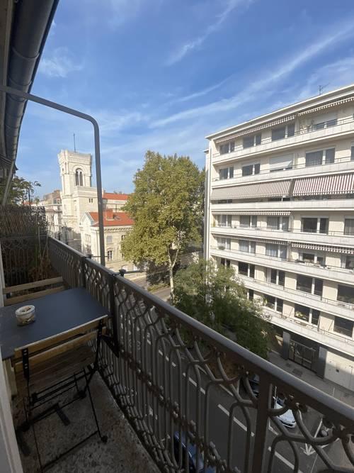 Vends Préfecture - Duplex - Etage élevé - 2chambres, 60m², Lyon 3ème