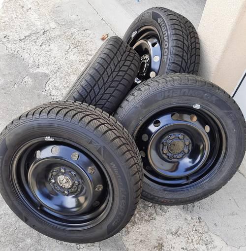 Vends pneus neige