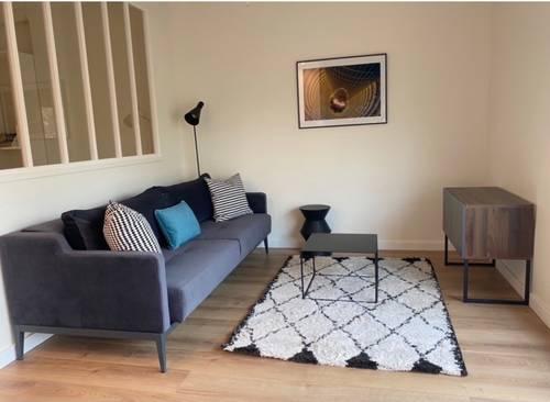 Beau meublé 2pièces design à Neuilly à louer