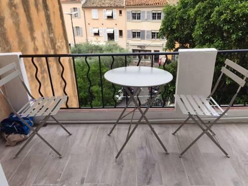 Loue appartement à Saint Tropez 4couchages, 60m du port ensoleillé